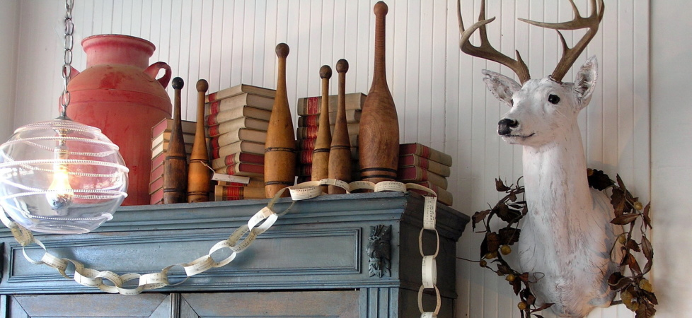 http://www.saffronandgenevieve.com/wp-content/uploads/2013/03/armoire-0011.jpg