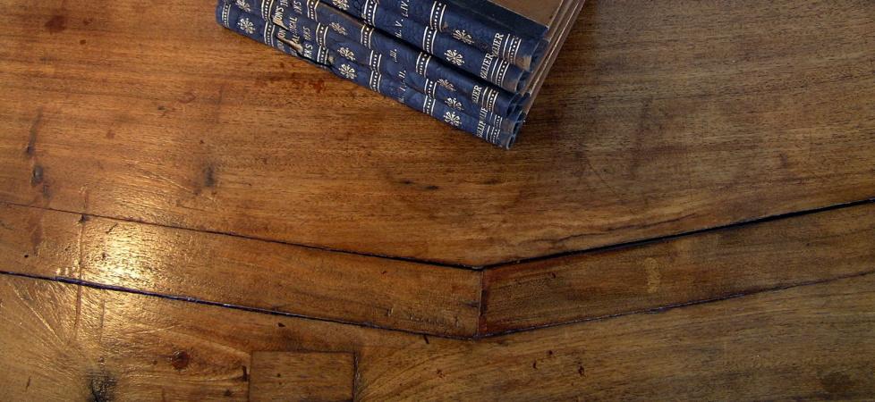 http://www.saffronandgenevieve.com/wp-content/uploads/2013/03/mesquite-table-top.jpg